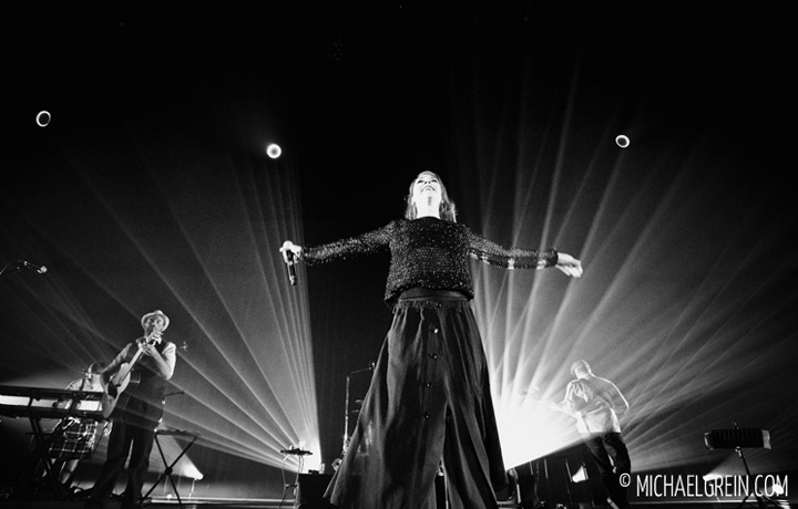 See full photo gallery of Zaz live at Festhalle Frankfurt a.M. 2014